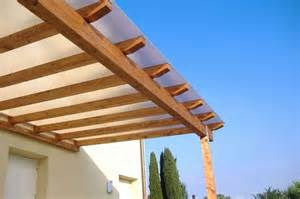 tettoie trasparenti per esterni realizzare coperture per esterni coprire il tetto come