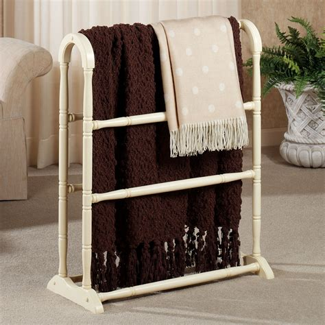 amelia wooden blanket rack