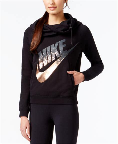 Jaket Nike Black Logo lyst nike rally funnel neck metallic logo hoodie in black