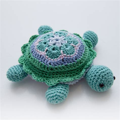 pattern african flower crochet tina turtle african flower turtle pincushion step by