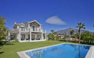 Home homes houses mansions properties property villas for sale