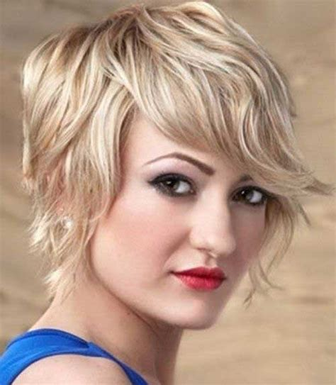 hairstyles short around the face long at the back 20 cute short haircuts for wavy hair short hairstyles