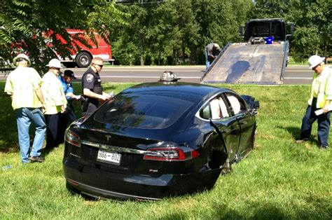 Tesla Model S Airbags Tesla Model S Takes Out Utility Pole Causes Blackout For