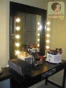 Makeup And Vanity Set A Glowing Light Bedroom Makeup Vanity With Lights Foter