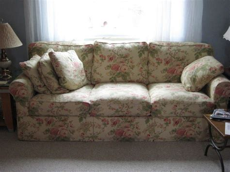 Floral Sofa And Loveseat by Amazing Uncategorized Amazing Floral Sofas And Loveseats