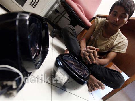 Spion Mobil Mewah hikmah detikfoto