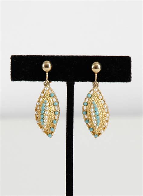 1960s coventry star earrings hemlock