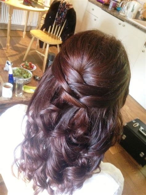 Hair For Baby Shower by Baby Shower Dress Hair The Bump