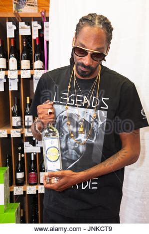 snoop real name snoop dogg at meet and greet snoop dogg real name calvin broadus stock photo