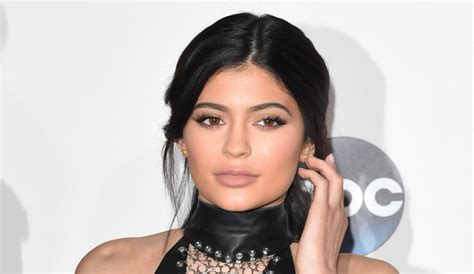 biography of kylie jenner kylie jenner age height weight lipstick body measurements