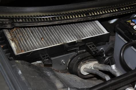 Where Is The Cabin Filter Located by Audi A4 Cabin Filter Replacement 04 Europa Parts