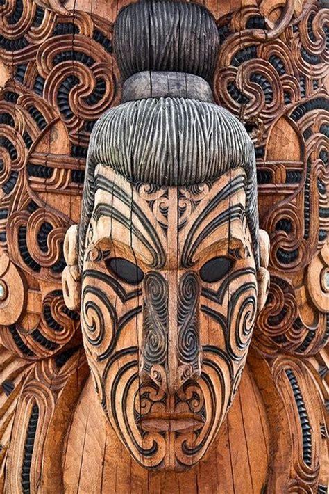 Tottem 4 Mauri maori wood carving 169 stephanieetstephane via flickr neutrals