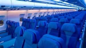 des araign 233 es s 232 ment la panique dans un avion d air