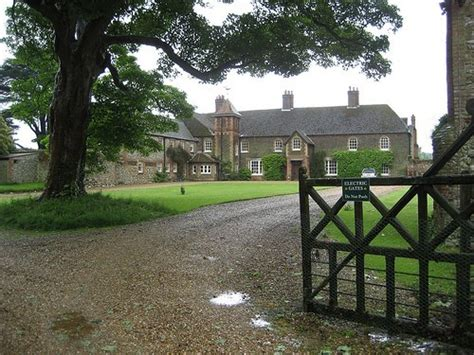 anmer hall kate middleton and prince william gifted norfolk mansion