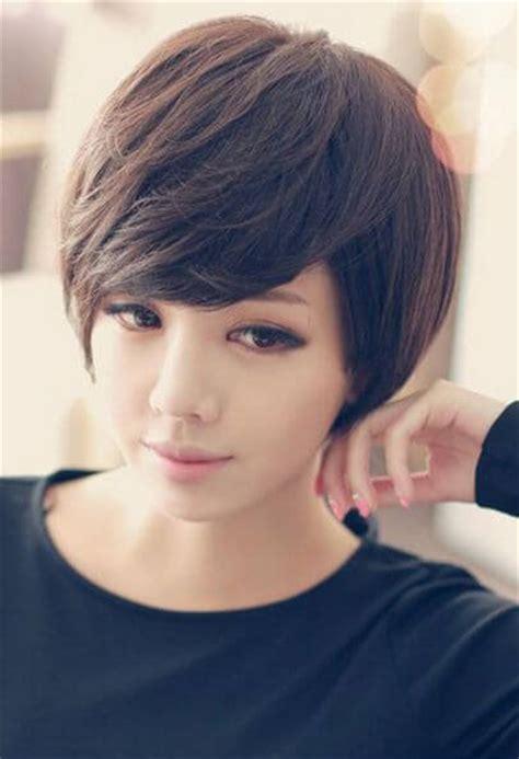 cabellos rizados muy cortos tendencia 2016 cortes y peinados para cara redonda pensados para ti los