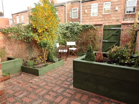 backyard ideas uk courtyard garden making the most of small spaces