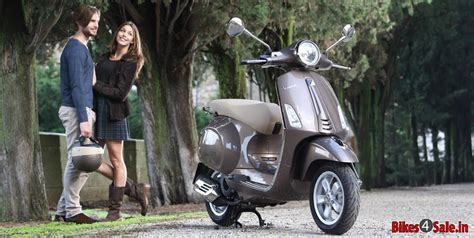 Vespa Photo 2 photo 2 vespa primavera 125 scooter picture gallery