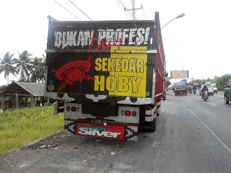 status status galau  bak belakang mobil truk berbagi