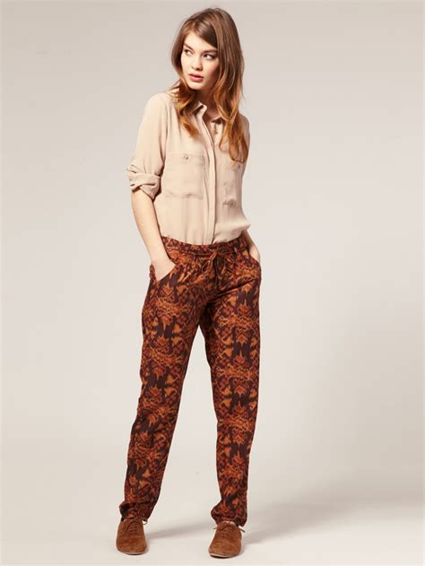 patterned jeans trend pink glitters trend alert printed pants