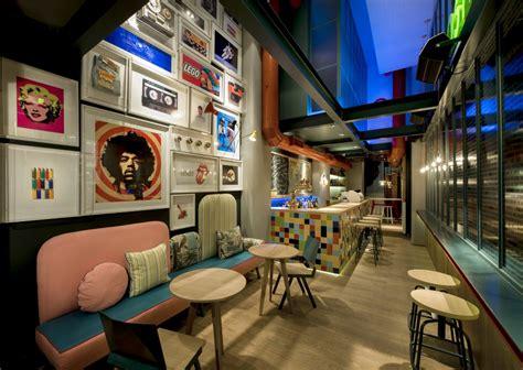 design interior cafe unik biar kafe anda menarik dan instagrammable coba inspirasi