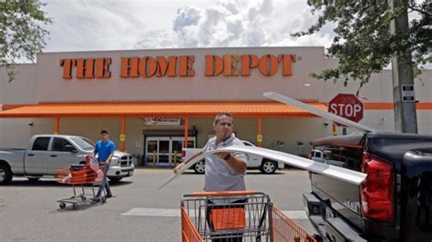 home depot in michigan fires at shoplifter fleeing home depot in