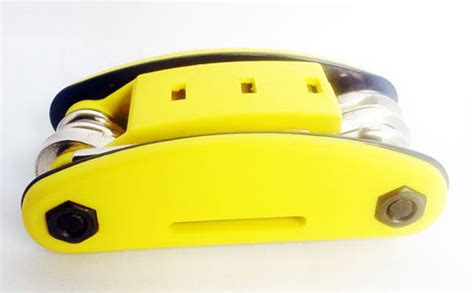 Obeng 6 In 1 Senter Lu Led Multifungsi Perkakas Scre Murah jual berbagai macam special tools unik dan murah