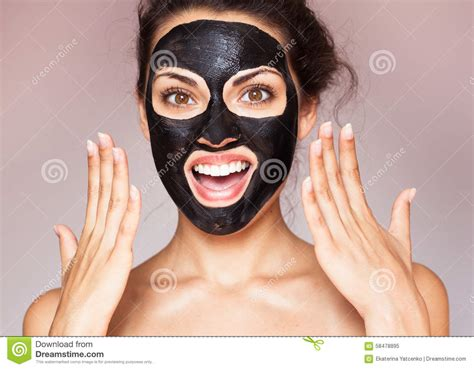 Masker Vienna Black Mud beautiful in a mask for the of the