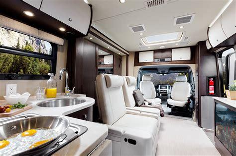 Front Corner L Us Style Mercedes C Class 94 W2 Diskon leisure travel unity 24bm leisure travel unity