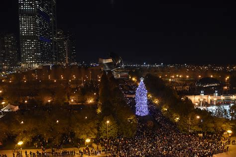 holiday lights parade chicago 2017 13 things to do in chicago this november urbanmatter