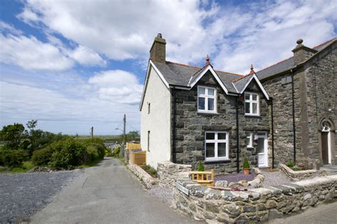 5 star luxury cottage with sea views ty capel holiday