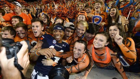 auburn football student section auburntigers com super fans the most photographed fans in