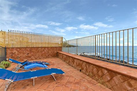 cing terrazza sul mare house on the sicily cliff houses for rent in acireale