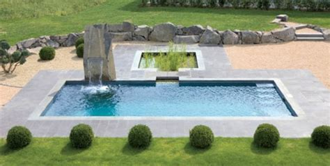 poolanlagen im garten kunstrasen garten