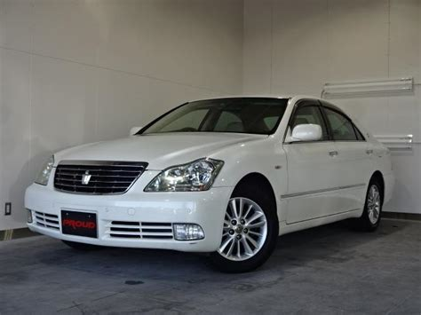 featured 2004 toyota crown 3 0l royal saloon g at j spec