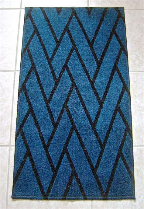 painted rug diy herringbone diy painted rug favecrafts