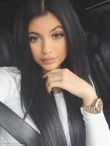 kardashian shares bedroom selfie pics full