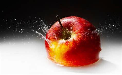 wallpaper apple fruit apple fruit water wallpaper desktop hd wallpaper