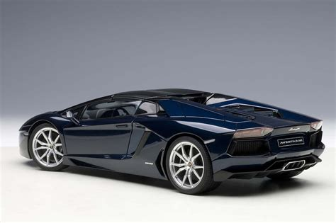lamborghini aventador blue autoart highly detailed die cast model metalic dark blue