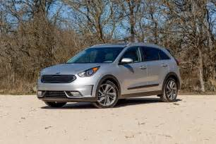Kia Niro 2017 Kia Niro Hybrid Drive Review Hold The Trimmings