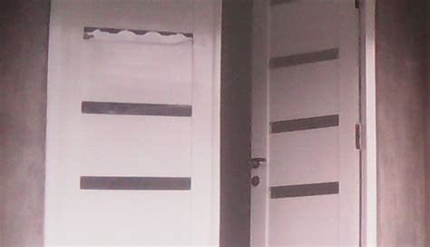 desain pintu kayu jati ruang tamu putih kombinasi kaca
