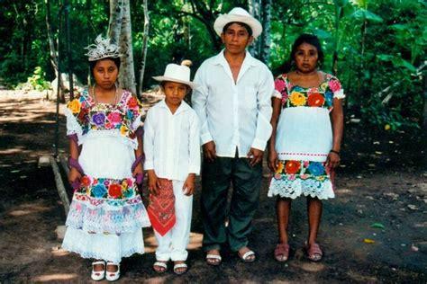 imagenes de la familia maya hablamos espa 241 ol yucateco revista yucat 225 n