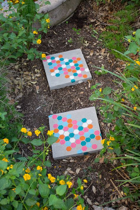 Home Decor Using Recycled Materials Stenciled Garden Stepping Stones Design Improvised
