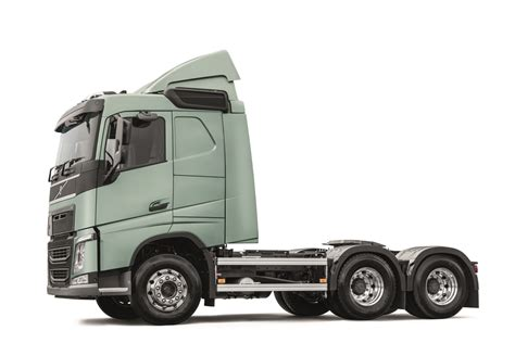 new volvo truck range volvo trucks launches fh series in malaysia autofreaks com