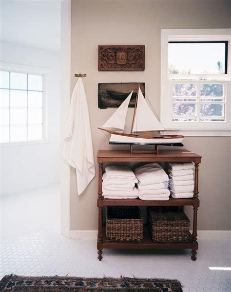 nautisches badezimmer tropische badezimmer im sommerstil 12 tolle design ideen