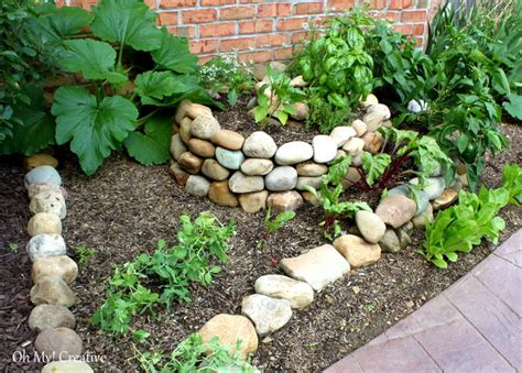 Creative Vegetable Gardens How To Create A Small Vegetable Garden Using A Garden Spiral