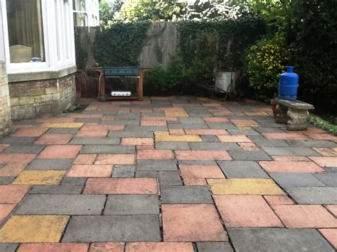 Pointing Patio by Cleaning And Repointing A Patio In Rushden