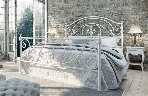 arredamento in ferro battuto letti in ferro battuto mobili in legno arredamento salotti