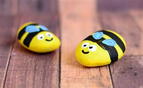 Decor Items cute bees toys from stones