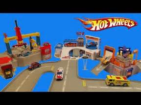 Hot Wheels Ultimate Ford Complex Playset Unboxing and