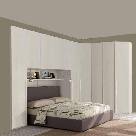 armadio con angolo armadio h246 battente con angolo e ponte anta liscia white